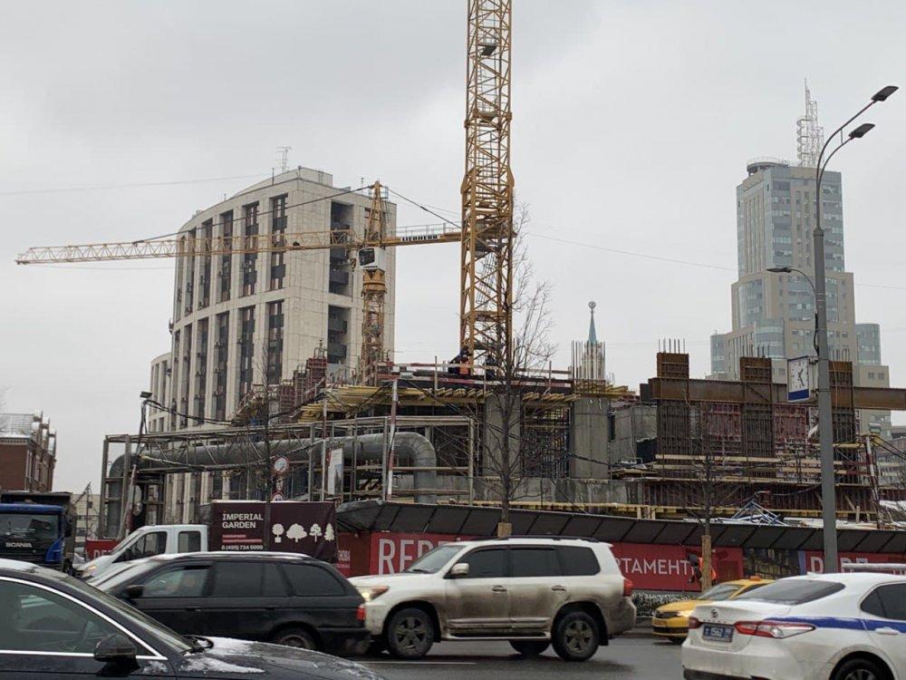 На Малой Пироговской улице проверили строительство гостиницы на 53 номера