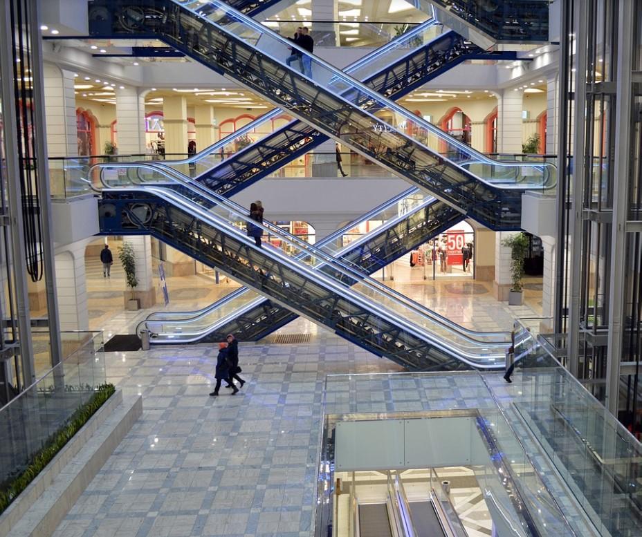 Вместо школы и больницы жители Некрасовки получат крупный торгово-развлекательный комплекс