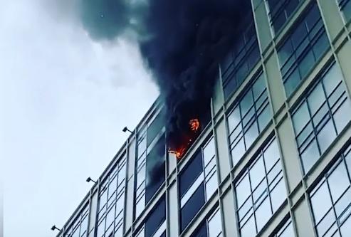 В Москве горит БЦ «Савеловский Сити»