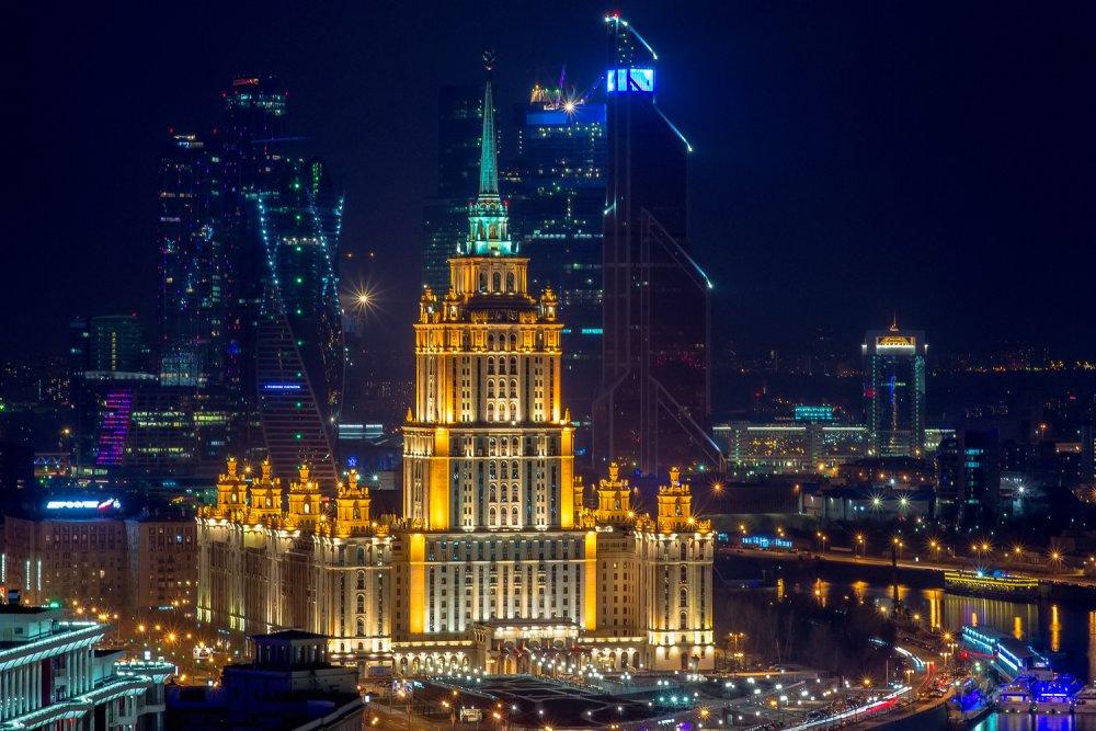 «Киевская площадь» присоединяется к акции «Час земли»