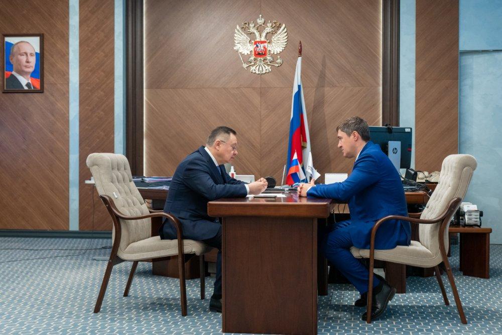 Министр строительства и ЖКХ РФ встретился с губернатором Пермского края