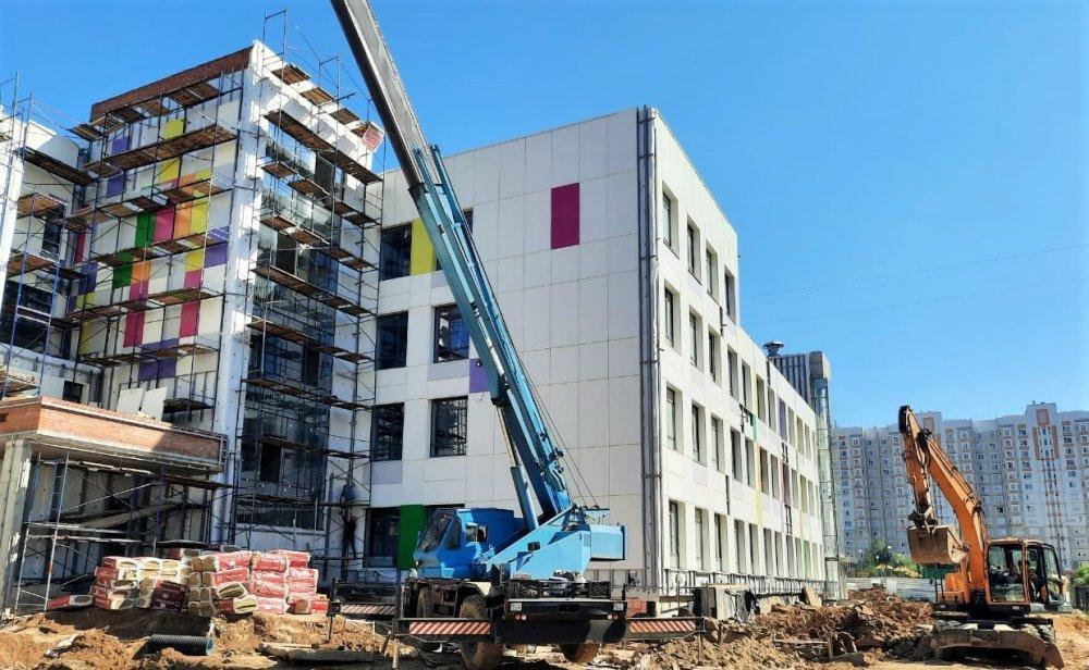 На завершающий этап выходит строительство школы в микрорайоне Кузнечики