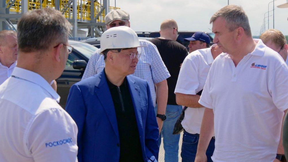 Ирек Файзуллин проинспектировал ход строительства объектов космодрома «Восточный»