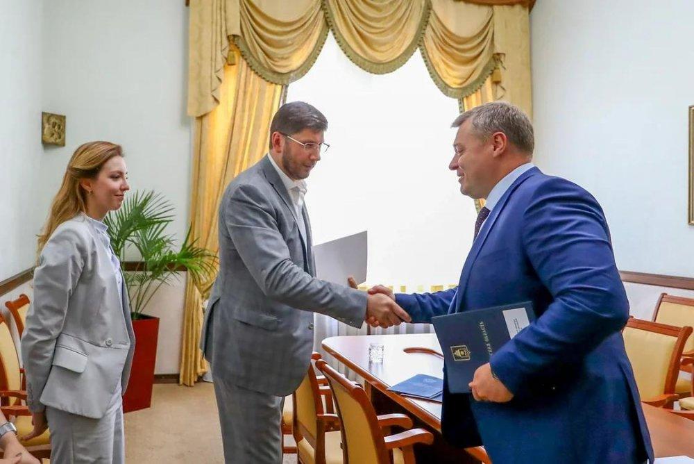 Первый замминистра строительства и ЖКХ РФ оценил развитие стройкомплекса Астраханской области